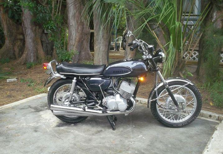 Kawasaki H1 500 - Right Side