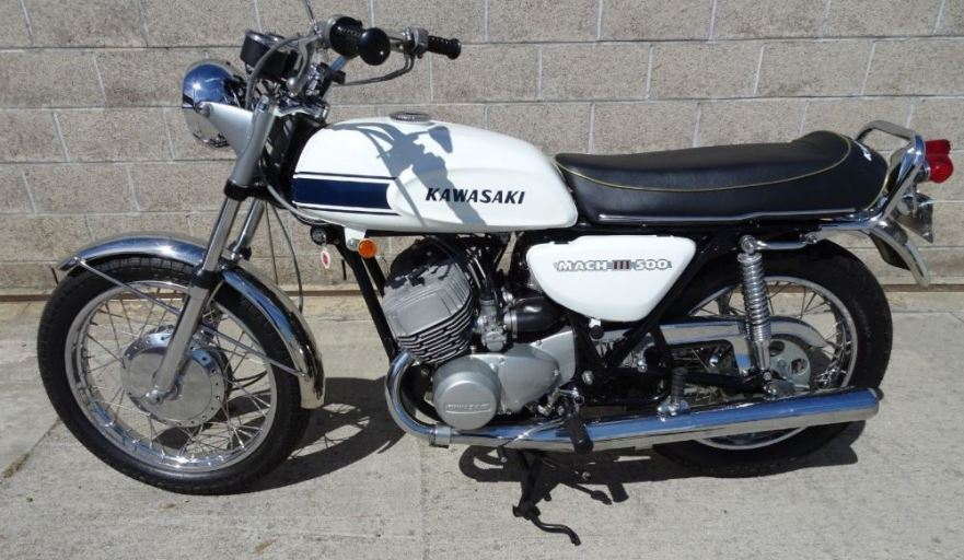 Restored – 1969 Kawasaki H1 Mach III – Bike-urious