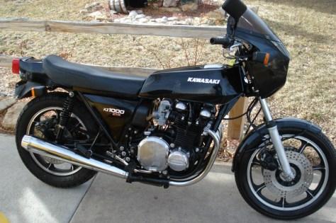 Kawasaki KZ1000 Z1-R - Right Side