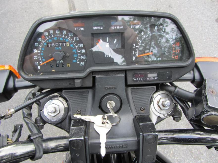 Kawasaki KZ700 - Gauges