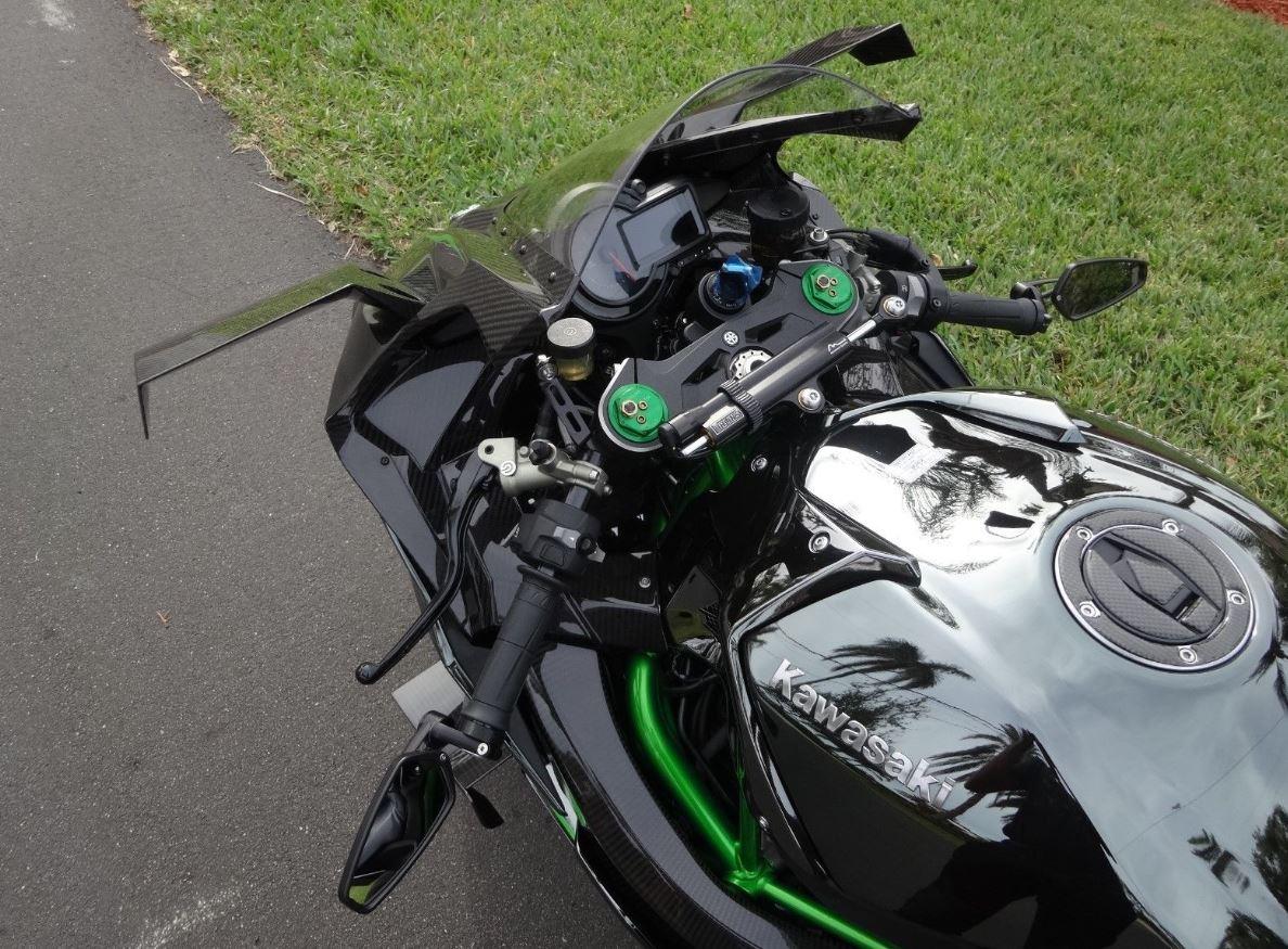 Kawasaki H2R For Sale >> Somehow Street Legal 2015 Kawasaki Ninja H2r Bike Urious