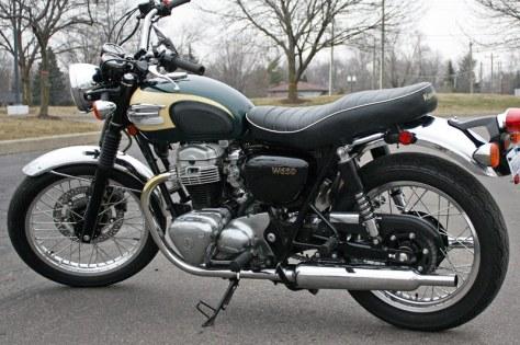 Kawasaki W650 - Left Side