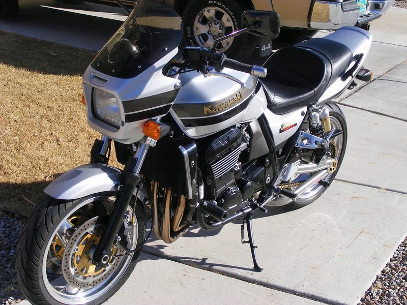 Kawasaki ZRX1200R - 2