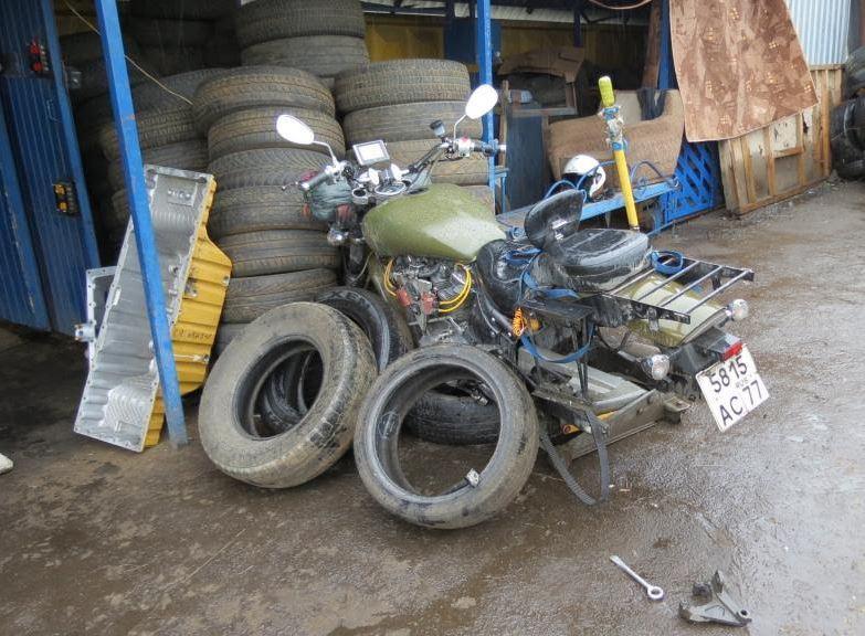 monty-myrtle-tire-change-yoshi