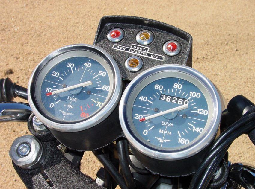Moto Guzzi 850T V7 Replica - Cockpit