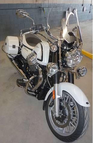 Moto Guzzi California 1400 Touring - Front