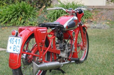 Moto Guzzi Egretta - Right Rear