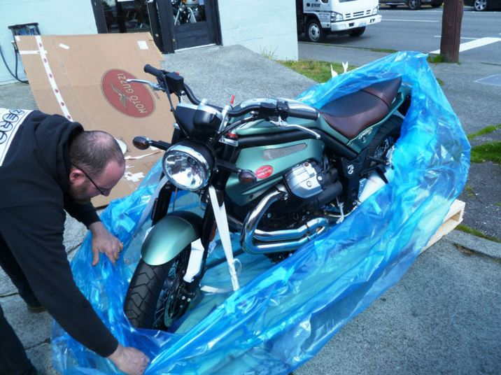 Moto Guzzi Griso SE - Opening