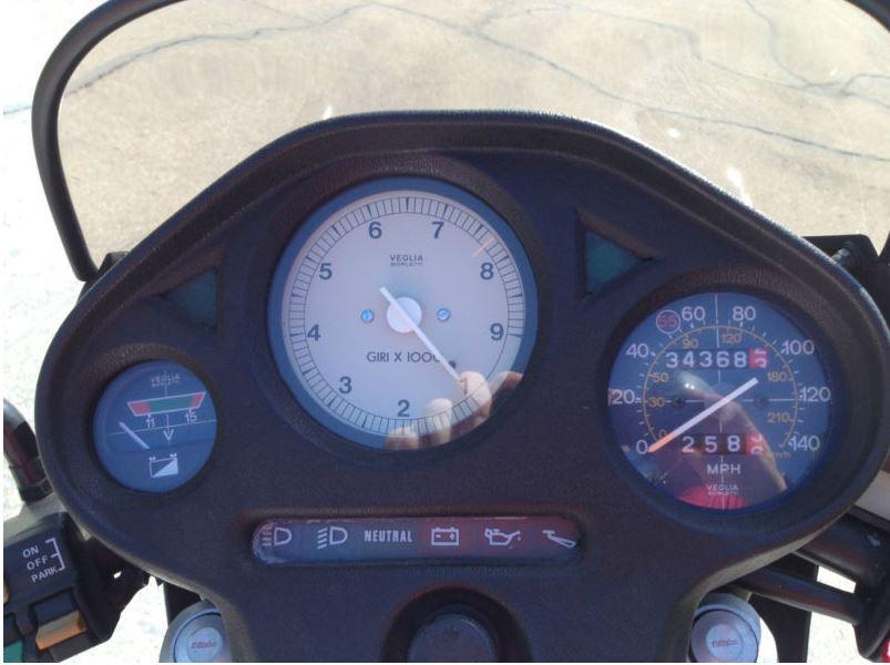 Moto Guzzi Le Mans 1000 SE - Gauges