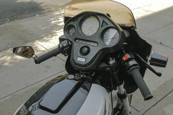 Moto Guzzi Le Mans III - Cockpit
