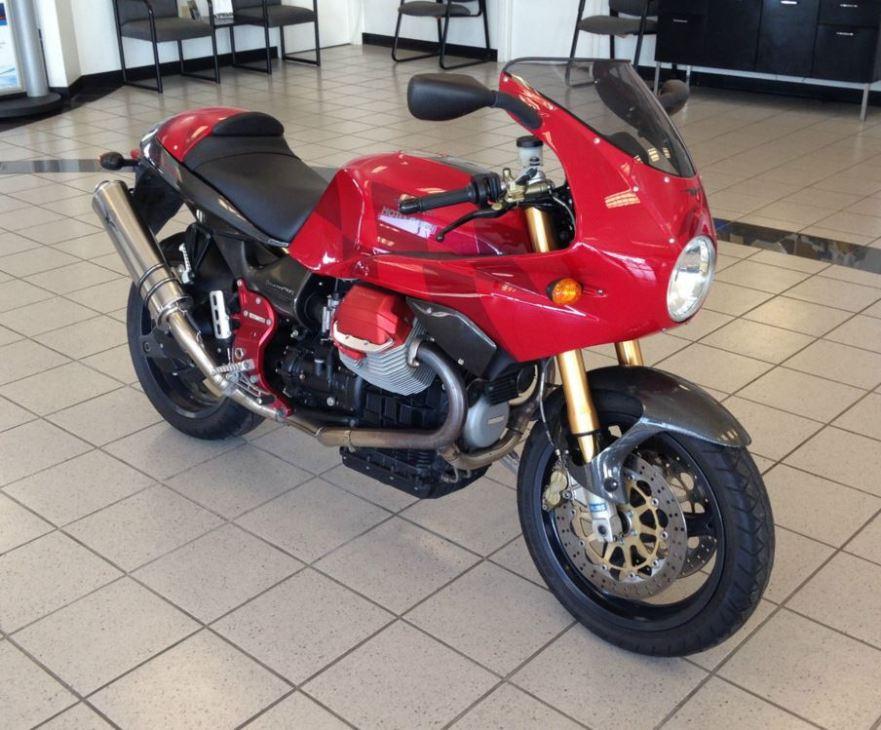 Moto Guzzi V11 LeMans Rosso Corsa - Right Front