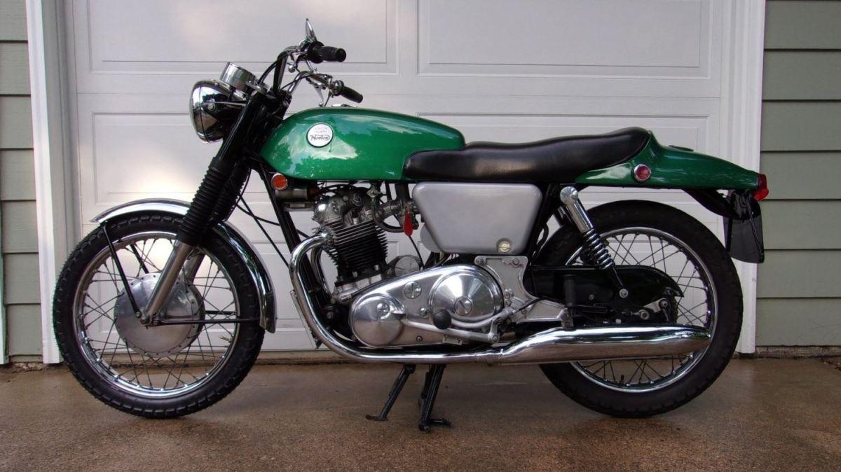 Restored 1968 Norton Commando Fastback Bike Urious