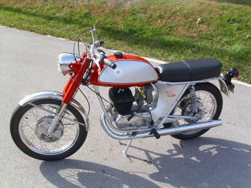 Ossa 250 Sport - Left Side