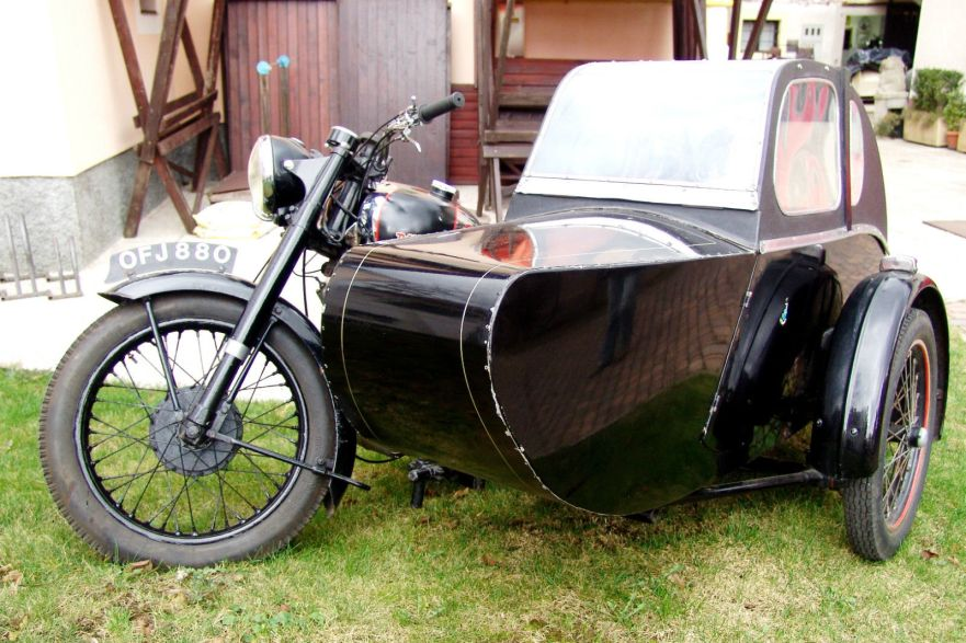 Panther Model 100 with Watsonian Sidecar - Front Left