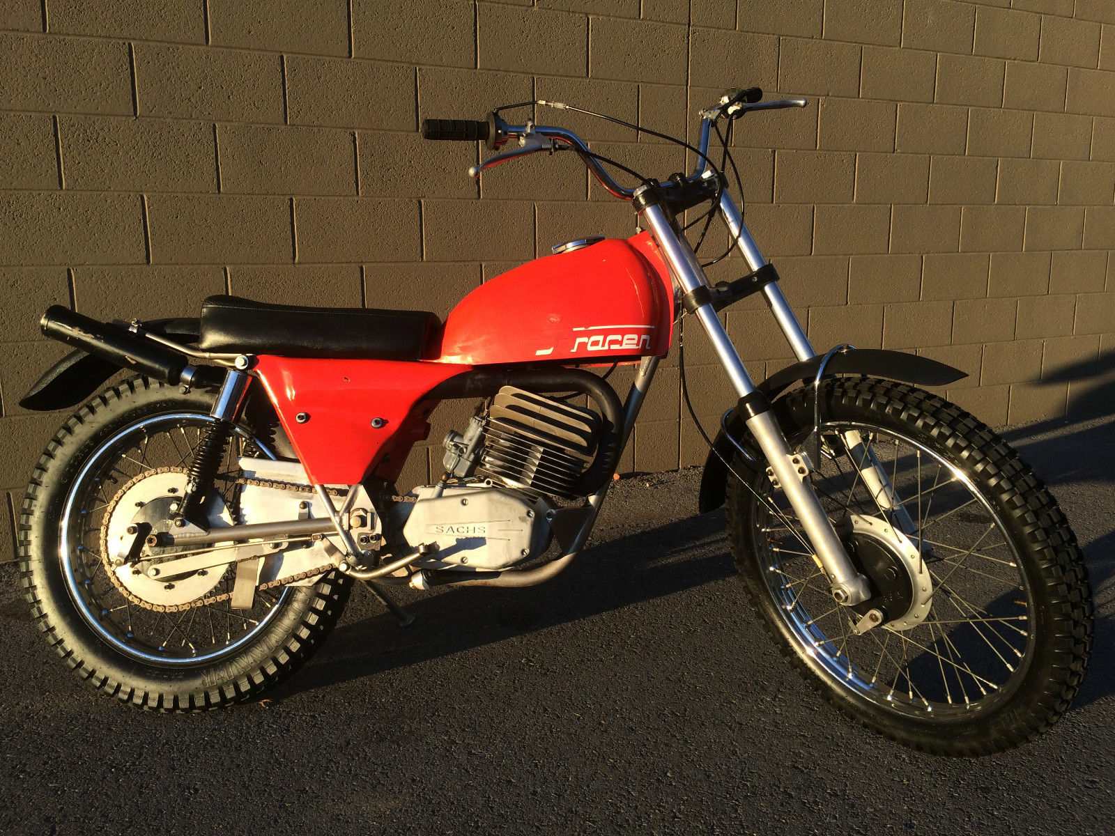1970 Honda 125cc Motorcycle Saracen Trials 125 Bike Urious Right Side
