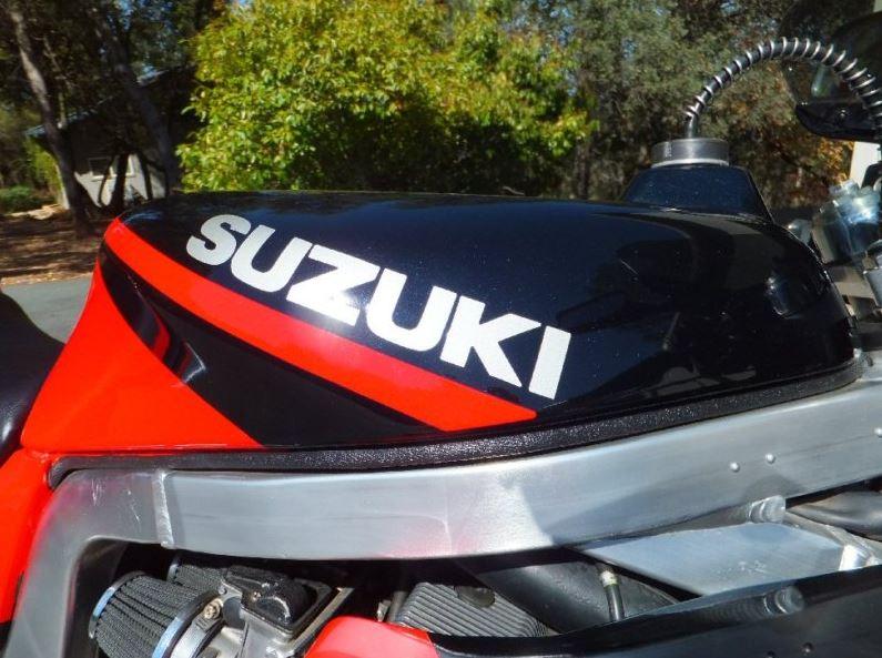 Suzuki GSX-R1100 - Gas Tank