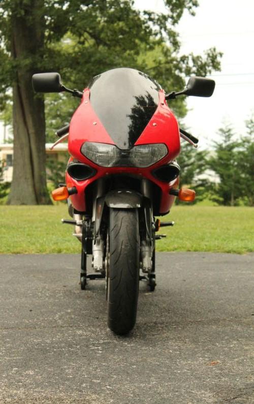 Suzuki TL1000S - Front