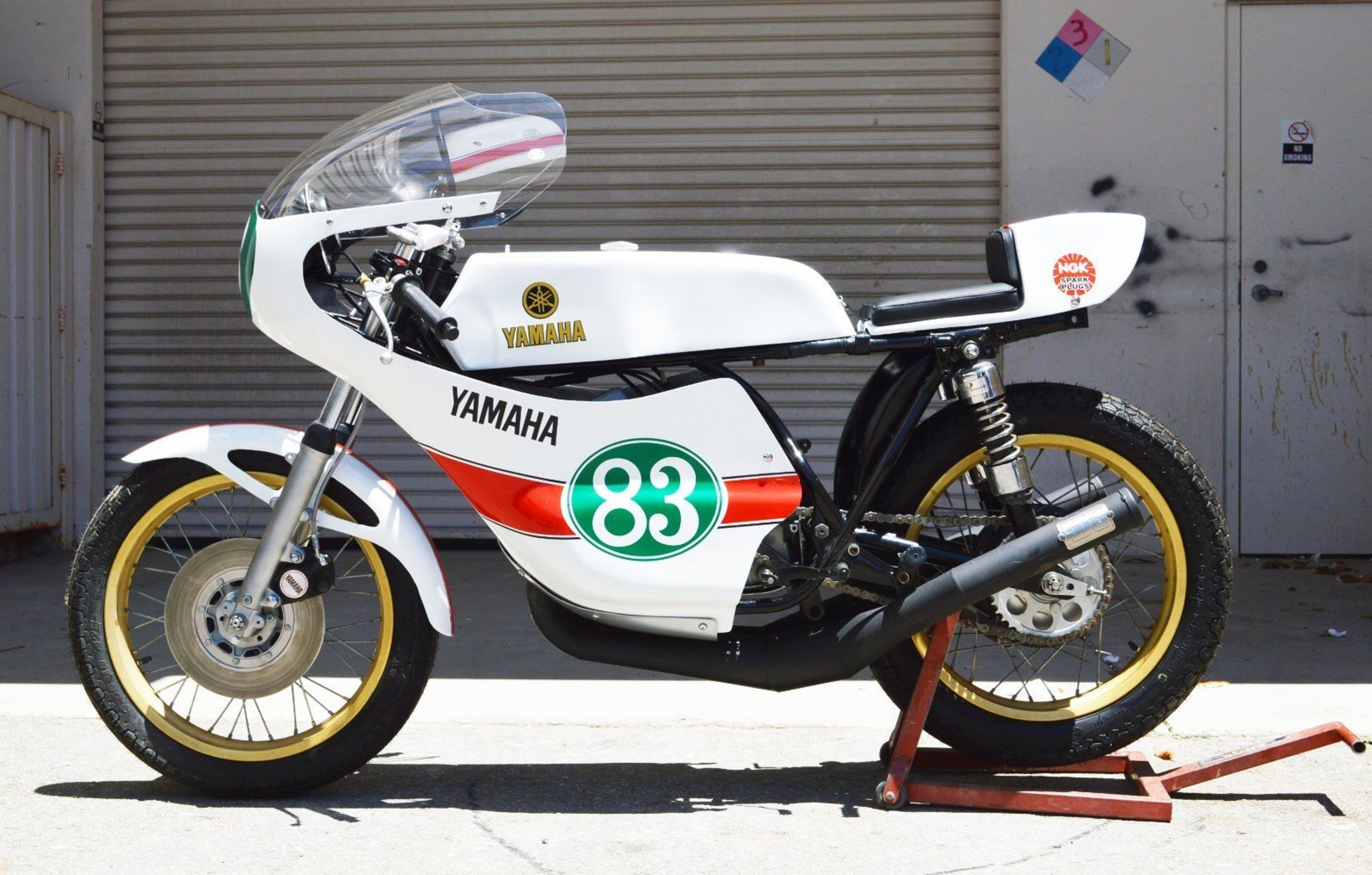 TD2 Style – 1970 Yamaha DS7 Racer – Bike-urious