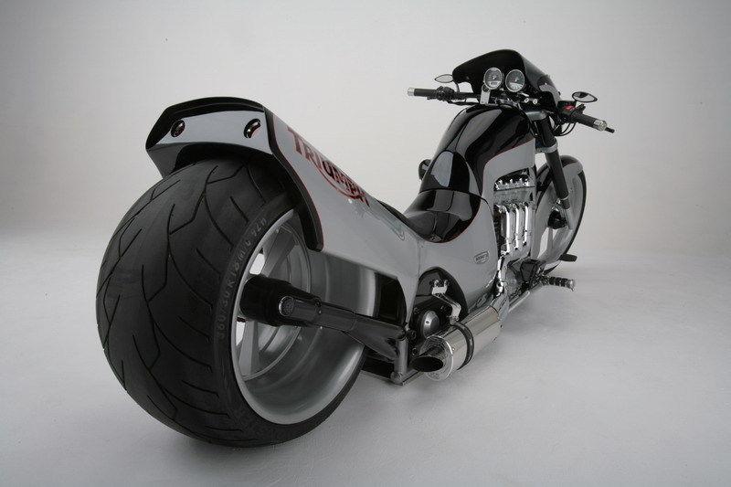 Triple Threat – 2006 Triumph Rocket III Custom | Bike-urious