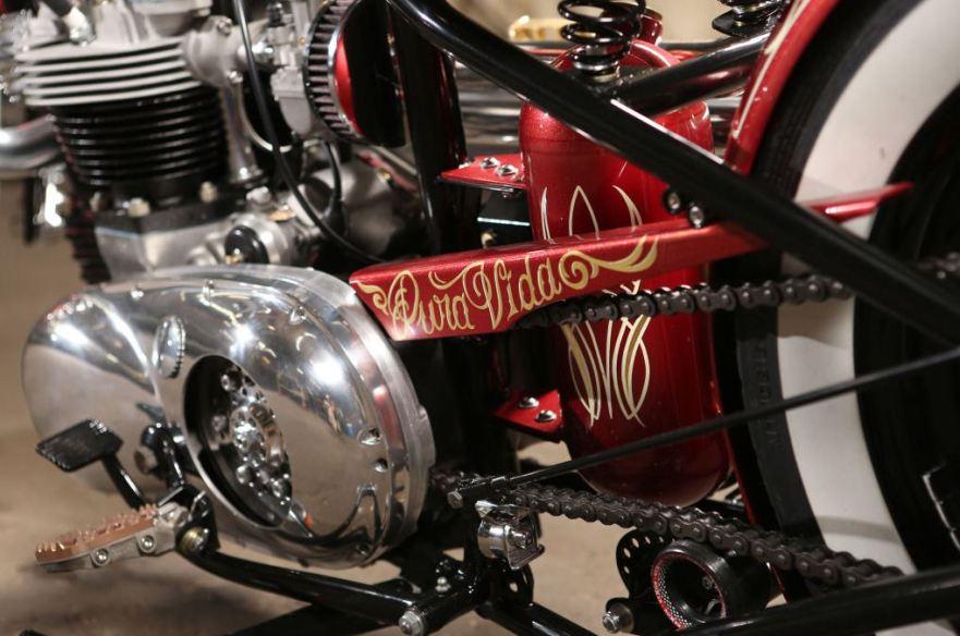triumph-tr6-custom-chain