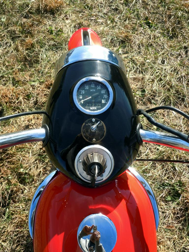 Triumph Tiger Cub - Gauges