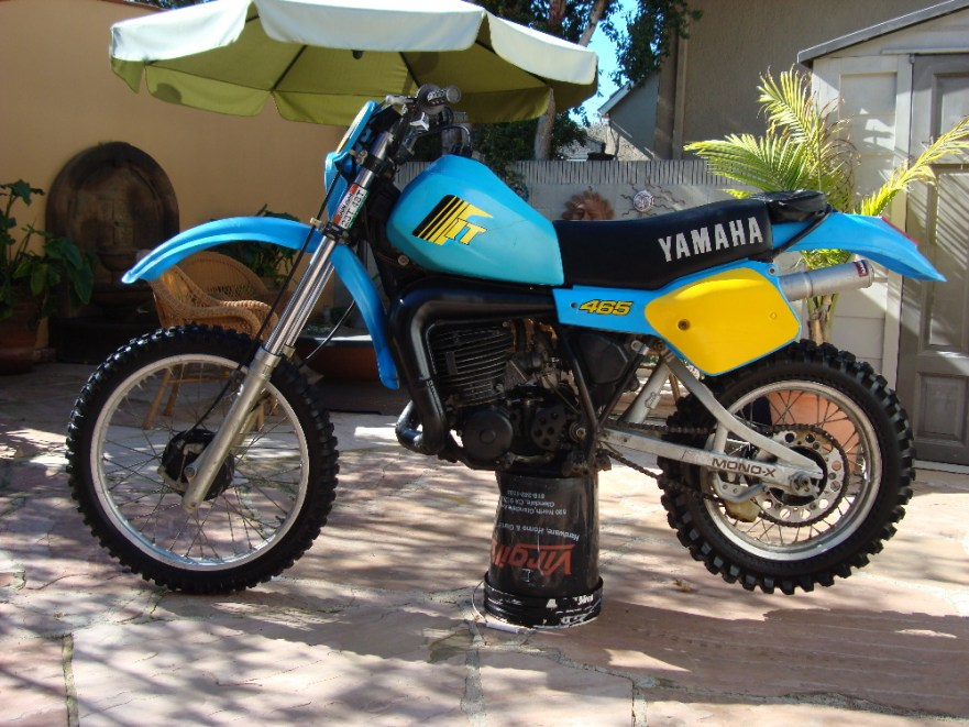 Yamaha IT465 - Left Side