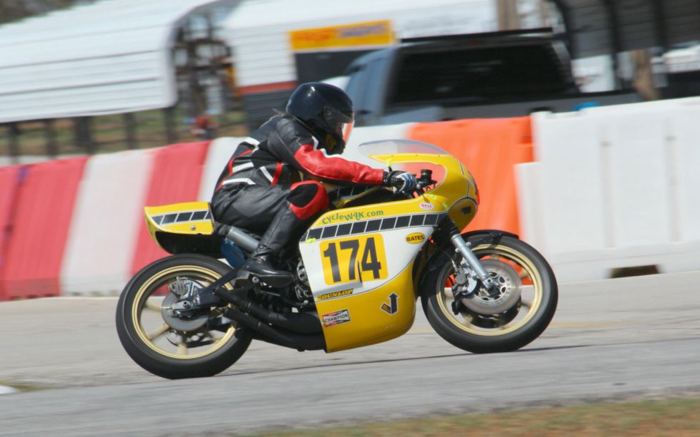 Yamaha TZ750B - C&J Frame - On Track