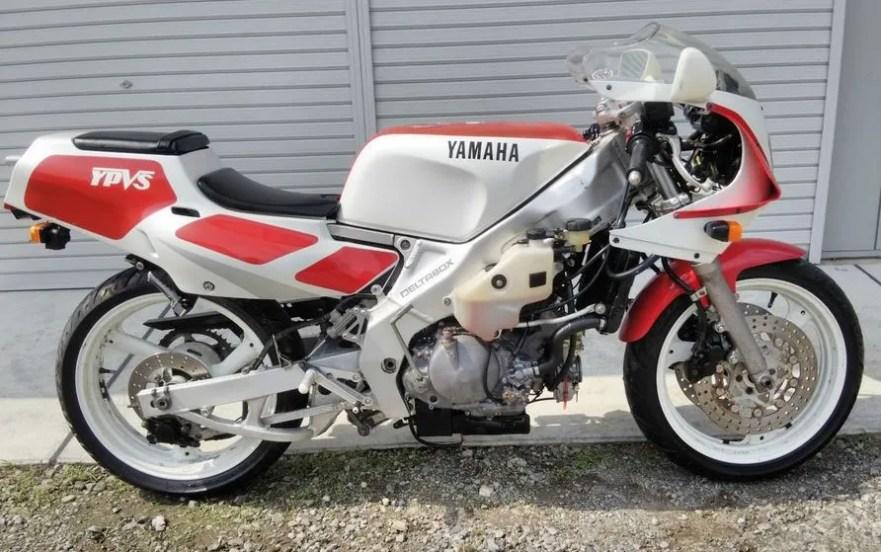 Yamaha TZR250 3MA - Naked