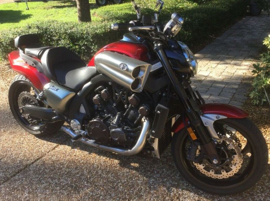 2010 Yamaha VMAX – Bike-urious