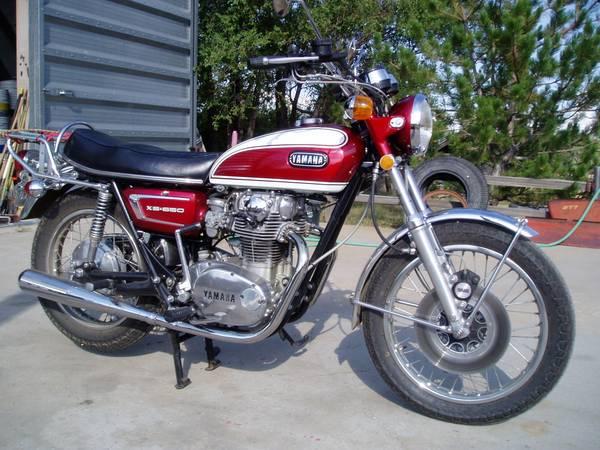Yamaha XS650 - Right Side