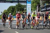 120 km - VIP-Block: Marc Bator (gelbes Trikot) als Vierter im Ziel