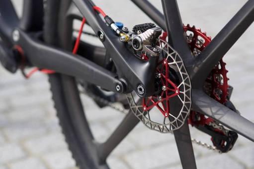 serie-bikes-notaveis-Specialized-Epic-Sworks-com-rodas-de-carbono_2