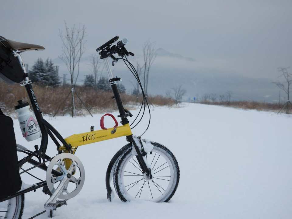 a snowy bike path between Seoul and Busan in Korea