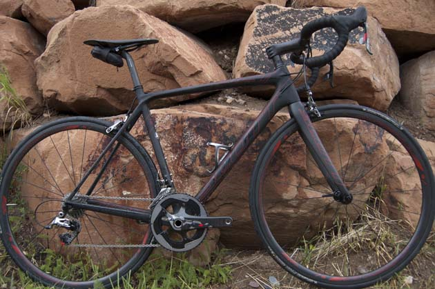 The new Addict SL is the lightest product frame Scott has ever made thanks to a new lightweight carbon fiber weave.