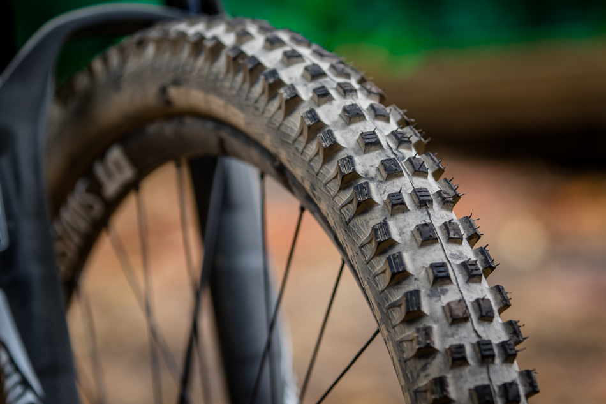 "SCHWALBE HANS DAMPF Addix EVO MTB Enduro Folding Tyre 27.5 x 2.8/"" Tubeless Pair"