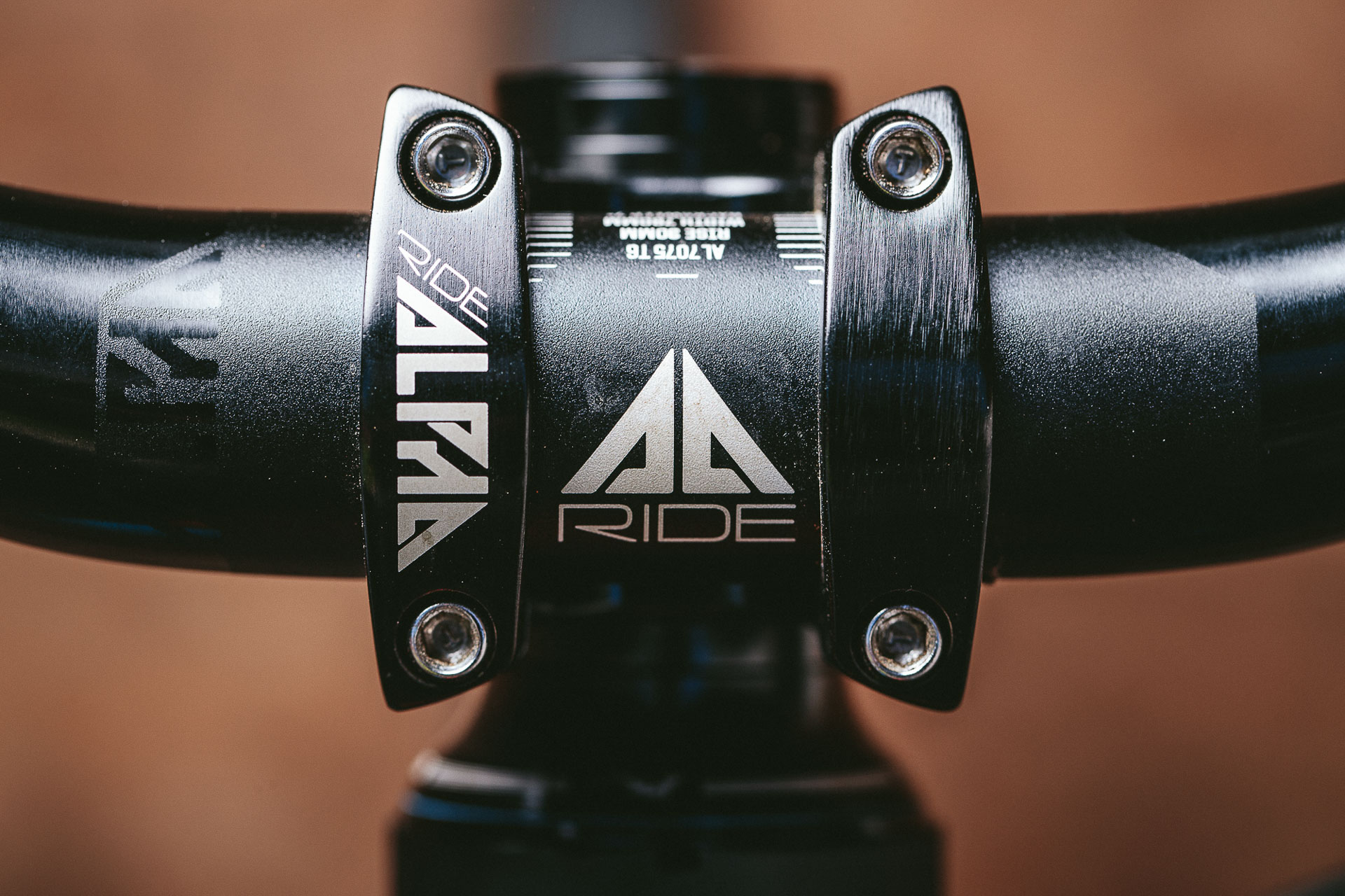 Tested: Commencal Meta AM 4 2 World Cup Long-Travel 27 5