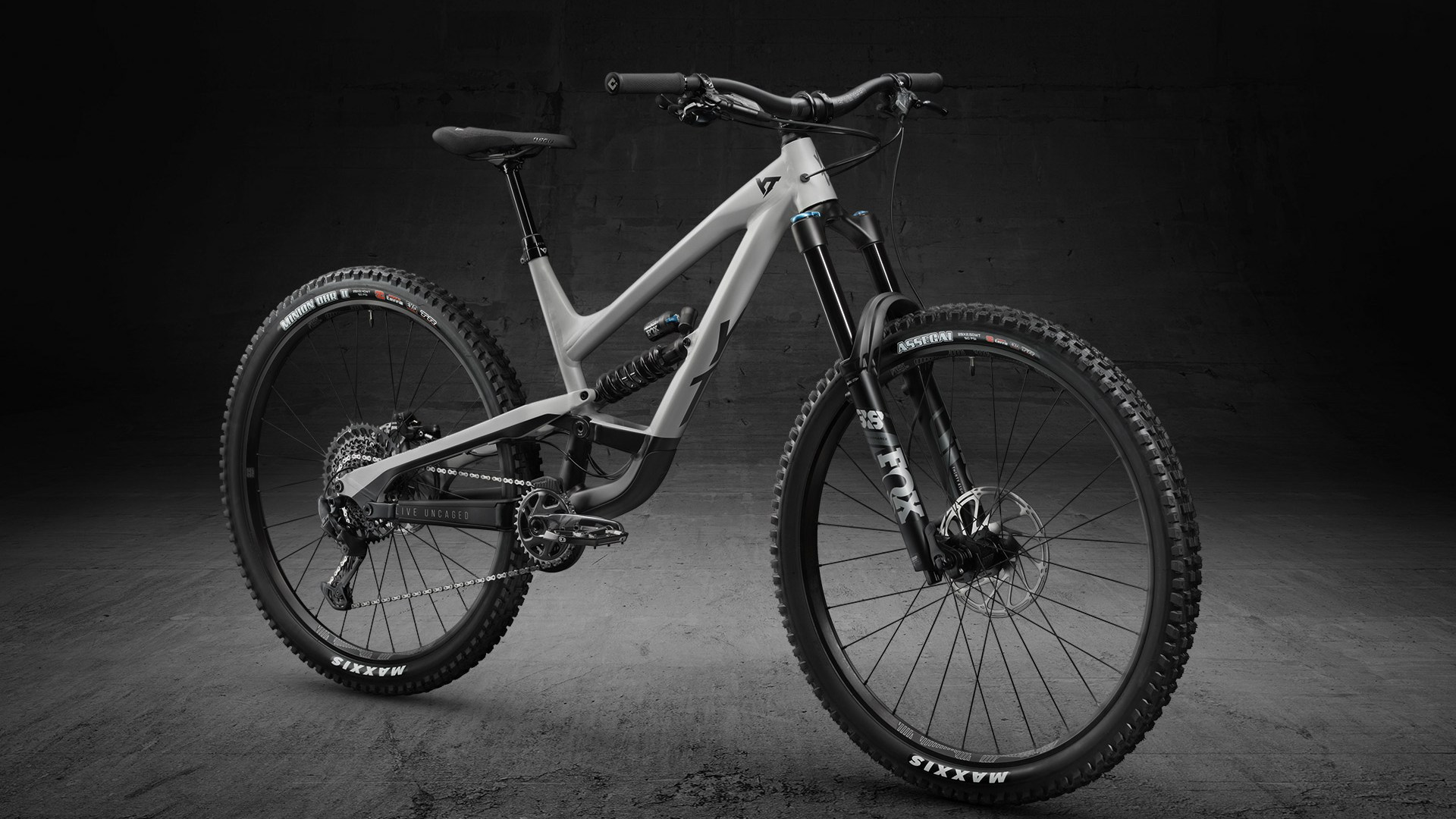 YT Capra Shred
