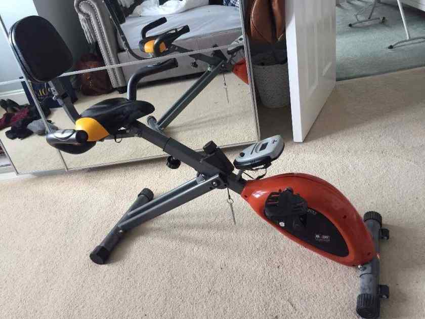 Exerpeutic GOLD Upright Exercise Bike