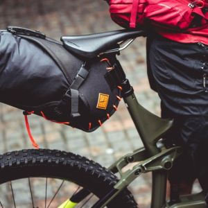 bikepacking restrap zadeltas
