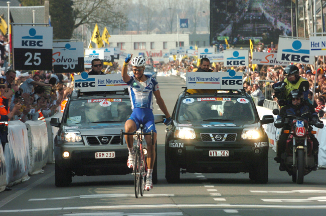 Tom Boonen wins the 2005 Ronde van Vlaanderen