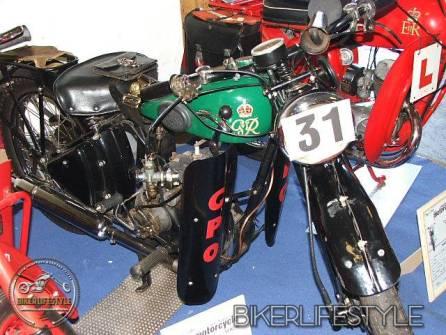 motorcycle-mechanic010