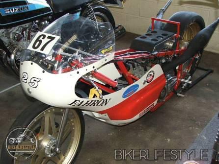 motorcycle-mechanic038