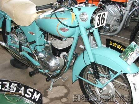 motorcycle-mechanic040