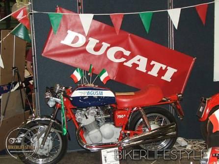 motorcycle-mechanic077