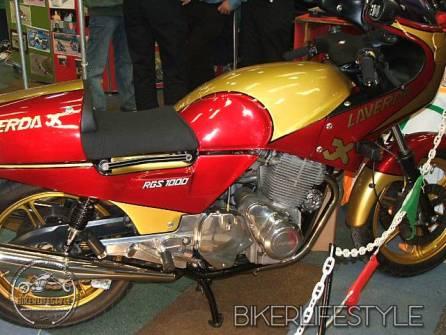 motorcycle-mechanic085
