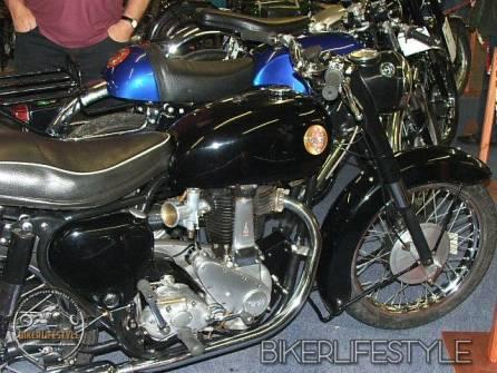 motorcycle-mechanic093