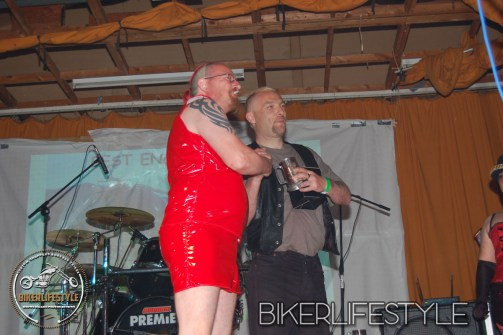 perverts-in-leather-340
