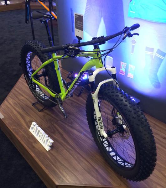 2015-specialized-fatboy-pro-fat-bike-bluto-mountain-bike01