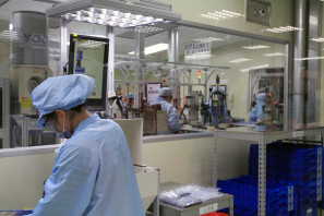 SRAM Taiwan Factory Tours Suspension Shifters Derialleurs Carbon production074