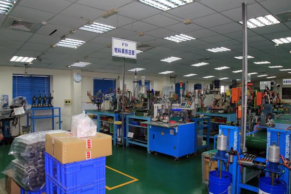 SRAM Taiwan Factory Tours Suspension Shifters Derialleurs Carbon production079